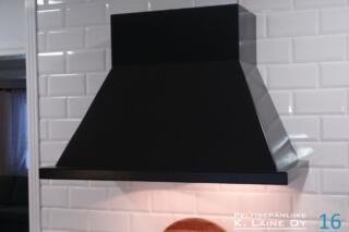 Musta huuva valolla